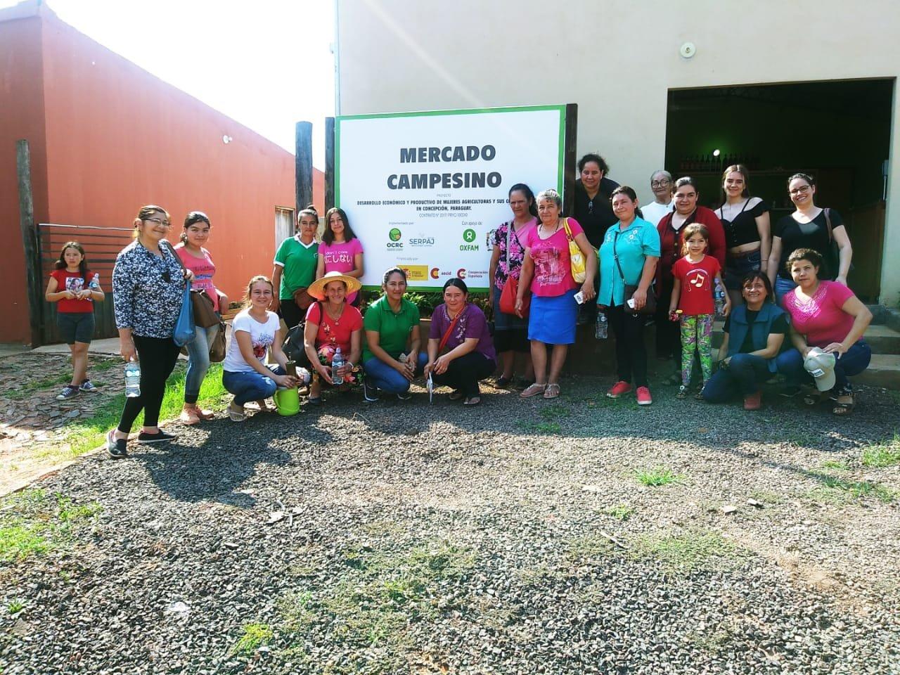 Intercambio de experiencia entre organizaciones campesinas en un proyecto que apoya la Cooperación Española
