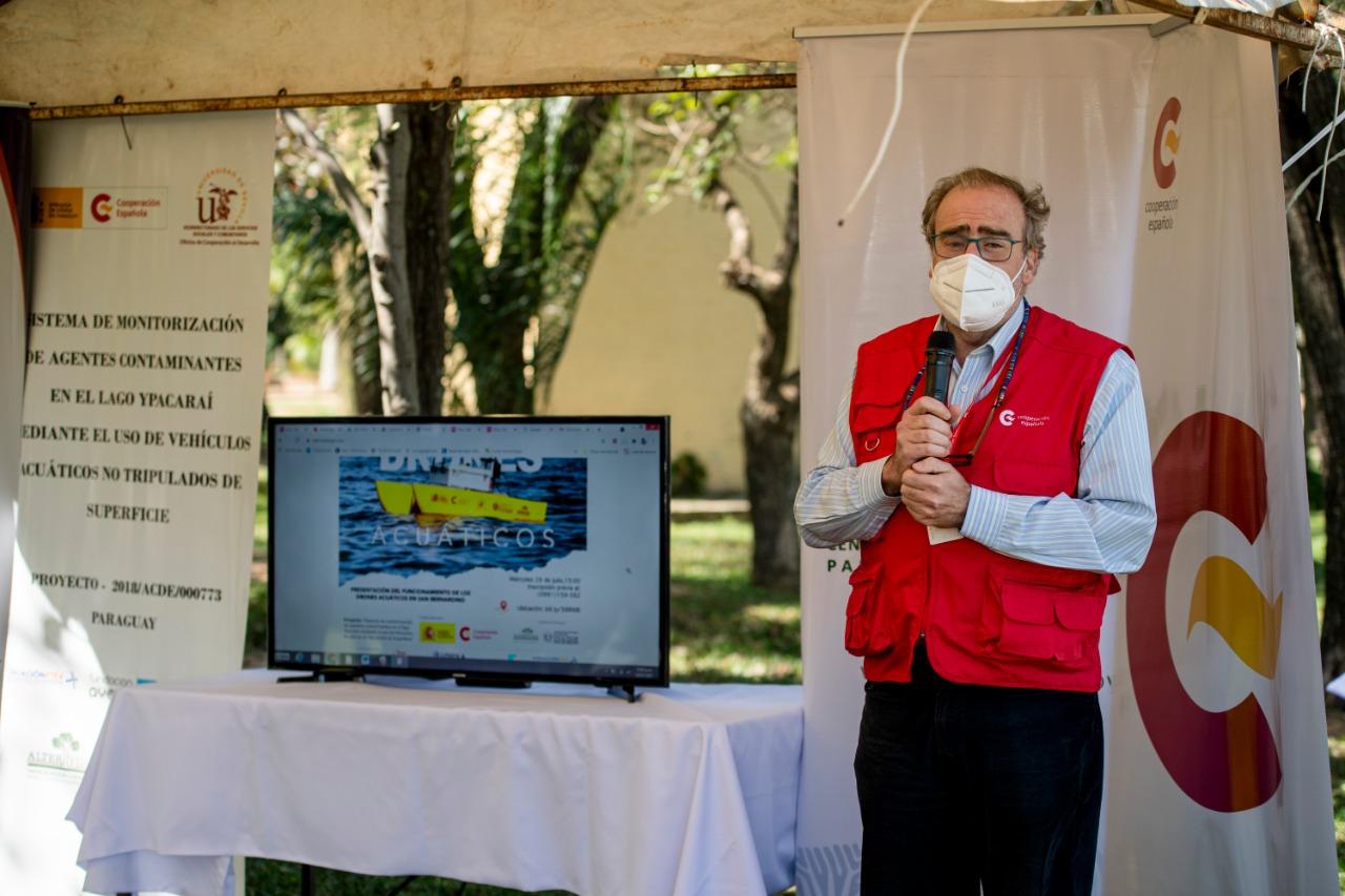 La Facultad de Ingeniería de la UNA realizó una demostración de los drones acuáticos de superficie para monitoreo de la contaminación del Lago Ypacaraí