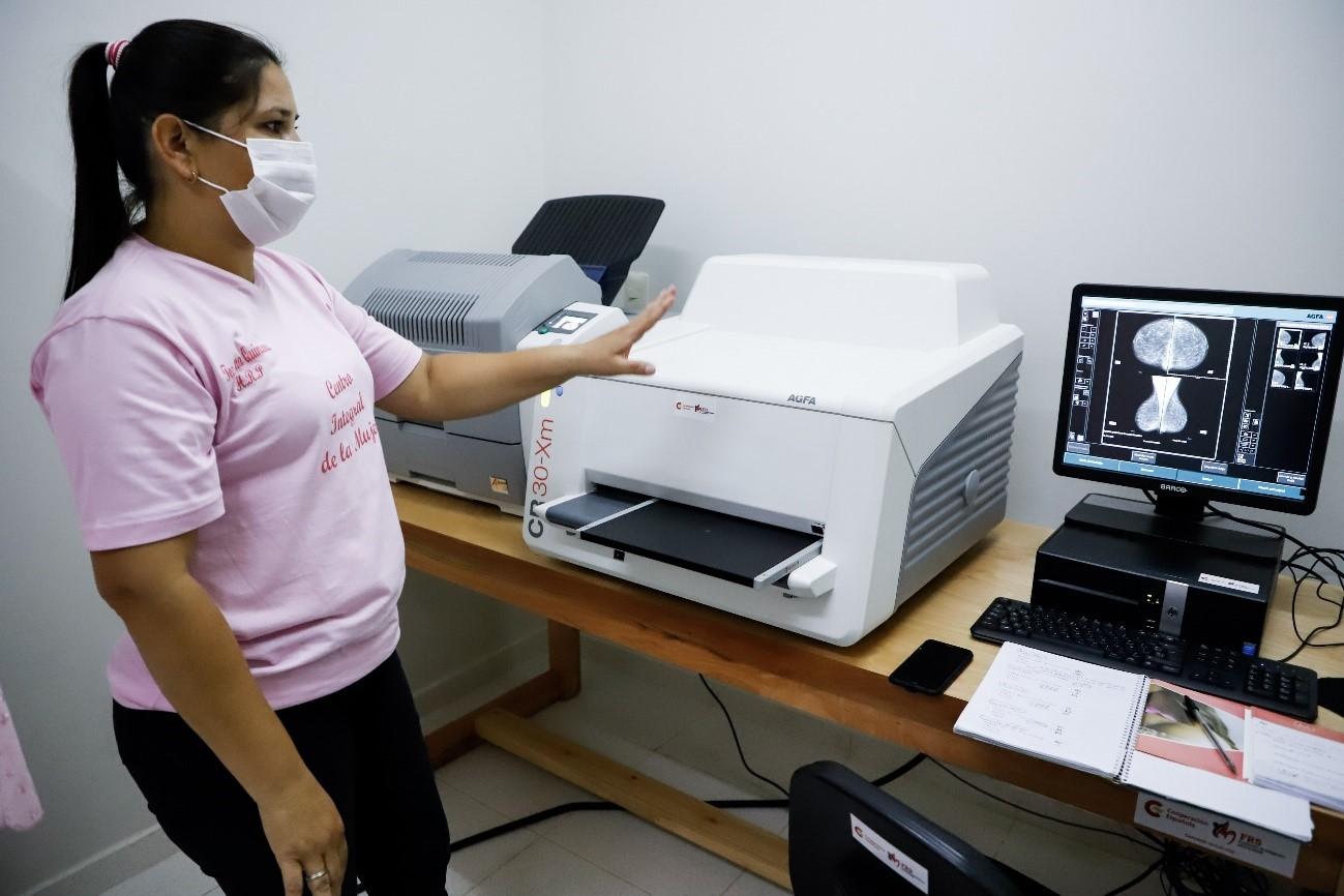 España apuesta por la prevención del cáncer de mama y útero de las paraguayas
